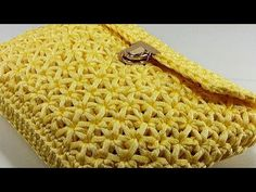 how to make a star model handmade clutch bag Crochet Clutch Bags, Crochet Tote, Crochet Handbags, Crochet Purses, Crochet Bag Tutorials, Crochet Flower Tutorial, Handmade Clutch, Handmade Bags, Bag Women