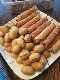 Трубочки и орешки.