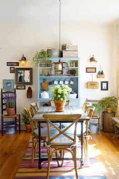 Every Chicago apartment needs an antique-style kitchen.
