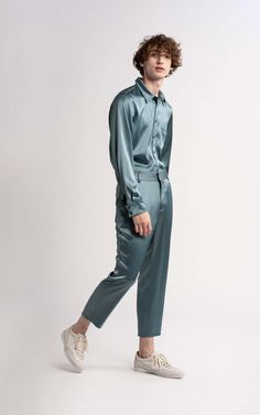 Alex Satin Pant Mens Trends, Menswear Trends, Boy Fashion, Mens Fashion, Pants Outfit, Men's Pants, Satin Shirt, Cropped Pants, Fitness Models