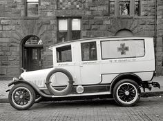 Wedding Transport: Cunningham Ambulance