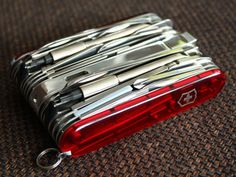 Swisschamp owners club - page 2 - Swiss Army Knights Forum Victorinox Pocket Knife, Victorinox Knives, Victorinox Swiss Army Knife, Cool Gadgets, Tools, Ford, Rainbow, Design, Products
