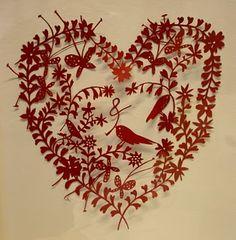 鳥とハートっぽいデザインが可愛いですー!額縁に入れて飾りたいです:Paper cut