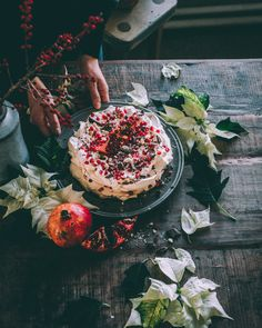 Christmas Pavlova, Anna Pavlova, Irish Cream, Smell Good, Meringue, I Foods, Camembert Cheese, Acai Bowl, Food Photography