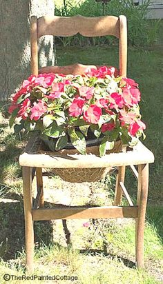 DETAILED TUTORIAL on how to attach chicken wire to an old chair to use as a flower pot.