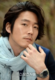 Jang Hyuk looking good with long hair too. Korean Star, Korean Men, Asian Actors, Korean Actors, Jang Nara, Fated To Love You, Drama Fever, Jung Hyun, Asian Eyes