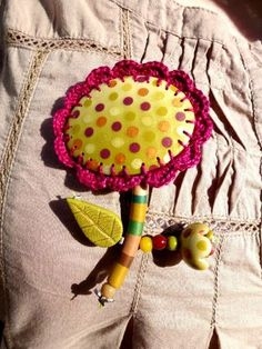 2 of my favorite things, crochet & clay...awesome.  http://natpolymere.canalblog.com/archives/2012/03/07/23700538.html