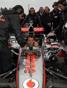 Tony Stewart - F1 Driver Lewis Hamilton And NASCAR Driver Tony Stewart Car Swap