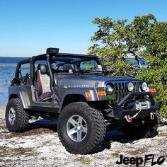 Jeeps & Jeep Girls — jeepflo: Beautiful day to be a. Jeep Mods, Jeep Tj, Jeep Truck, Red Jeep, Pickup Trucks, Jeep Wrangler Rubicon, Jeep Wrangler Unlimited, Offroader, Custom Jeep
