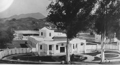 Historic Photograph of Universal Studios Hollywood Homes, Old Hollywood Glam, Hooray For Hollywood, Golden Age Of Hollywood, Classic Hollywood, Universal City, Universal Studios, Los Angeles Hollywood, San Luis Obispo County