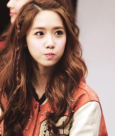 Yoona SNSD Braided wavy curly hair style