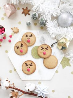 Weihnachtskekse Rezepte Winter Cupcakes, Noel Christmas, Christmas Cookies, Christmas Ornaments, Blog Deco, Reno, Cake Toppers, Food Photography, Bakery