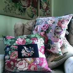 Managed a bit more sewing today. #handmadecushions #vintagefabric #cottagestyle #nikifretwell #folksyshop #vintagesanderson