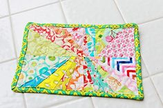 Beautiful simple Wonky Starburst mug rug - tutorial - or bigger for a placemat!
