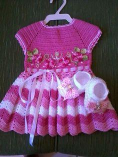 Crochet Baby Dress Free Pattern, Boy Crochet Patterns, Baby Dress Patterns, Baby Girl Crochet, Crochet Baby Clothes, Crochet For Kids, Crochet Ripple, Crochet Dishcloths, Crochet Slippers