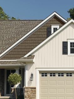 Two Tone Siding Design Ideas Pictures Remodel And Decor