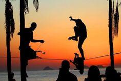 Slackline - Ipanema beach - Brazil!