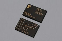 The Run To - Business Card Design Inspiration | Card Nerd
