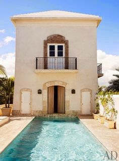 Beach Outdoor Space by Genevieve Faure in Dominican Republic (Architectural Digest) Architectural Digest, Exterior Design, Interior And Exterior, Stucco Exterior, Stucco Homes, Living Pool, Architecture Design, Pool House Designs, Home Modern