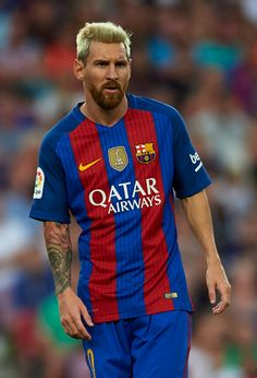 Lionel Messi of FC Barcelona looks on during the Joan Gamper trophy match between FC Barcelona and UC Sampdoria at Camp Nou on August 10 2016 in...