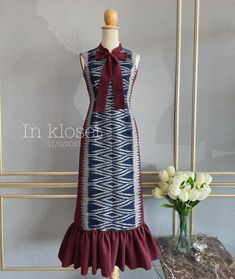 Blouse Batik, Batik Dress, Thai Style, Western Dresses, Kebaya, Sewing Clothes, Vintage Dresses, Casual Dresses, Ready To Wear