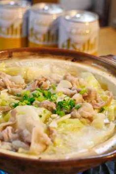 豚とキャベツのニンニク塩バター鍋の画像