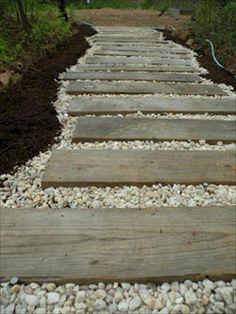 Ideas for diy garden edging wood patio Pallet Walkway, Wood Walkway, Outdoor Walkway, Wood Patio, Wooden Path, Wooden Garden, Garden Edging, Garden Paths, Path Ideas