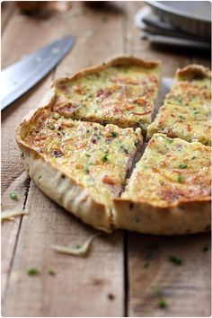 Quiche au jambon, oignon et ciboulette Healthy Breakfast Recipes, Healthy Cooking, Super Dieta, Pizza Tarts, Cuisine Diverse, Savory Pastry, Good Food, Yummy Food, Food Inspiration