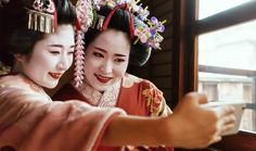 Survival Guide to Japanese Social Media: Taking a close look at social media in Japan can reveal what's hot, what's not, and how to use this powerful marketing outlet to your advantage. #moravia #blog #sociamedia #japan #todo #guide