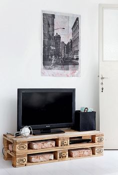 eurolava-tvtaso_katriKapanen Diy Tv Stand, Diy Home Improvement, Your Space, Wood Projects, House Design, Living Room, Interior, Inspiration, Industrial