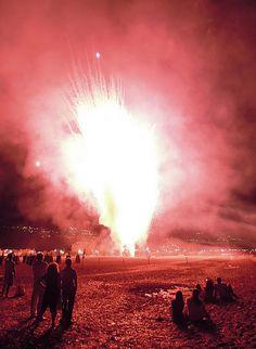 Apocalypse    15.08.2011 Praia a Mare (CS)    Fuochi d'artificio per la festa della Madonna della Grotta a Praia a Mare.    Fireworks for the festivity of Madonna della Grotta in Praia a Mare.    :-{Album Flickr}-:-{Blog Fotografico}-: