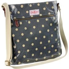 Cath Kidston bag~ I might need this!