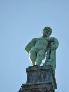 BlondeTravelGirl - Kassel, Bergpark Wilhelmshöhe, Herkules Statue