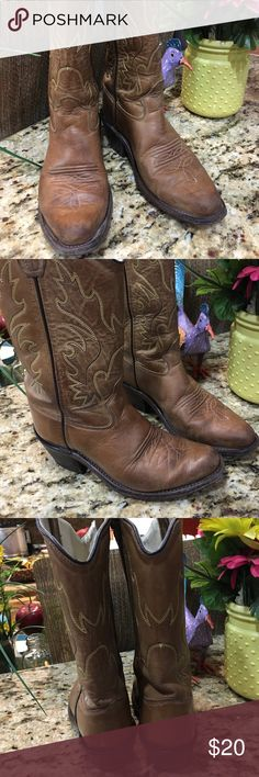 Kids cowboy boots Used but still in excellent condition....few scruff marks no stains or tears leather upper heel in excellent condition very comfortable great for the rodeo!!! Snip toe old west Shoes Boots