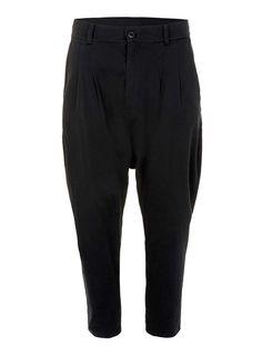 AAA – Pantalon noir à entrejambe bas