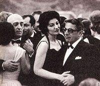 Maria Callas e Aristotle Onassis Maria Callas, Christina Onassis, Tour Around The World, Opera Singers, Artist Life, Yorkie, Style Icons, Diva, Take That