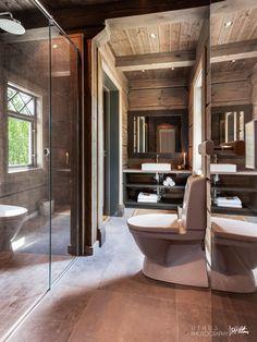 Nyoppført lekker hytte med flott og attraktiv beliggenhet. | FINN.no Log Cabin Bathrooms, Mountain Cottage, Cabins In The Woods, Rustic Elegance, Log Homes, Lodges, Farmhouse Style, Real Estate, House Design