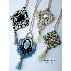 Colgantes de soutache hm_anastasia Ribbon Jewelry, Fabric Jewelry, Boho Jewelry, Jewelry Crafts, Beaded Jewelry, Jewelery, Handmade Jewelry, Soutache Pendant, Soutache Necklace