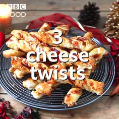 Cheese twists are perfect at Christmas time for parties, family gatherings or film nights. Christmas Cheese, Christmas Party Food, Christmas Desserts, Christmas Time, Holiday Snacks, Xmas Food, Snack Recipes, Dinner Recipes, Dessert Recipes