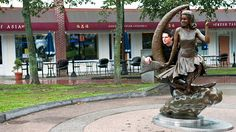 "Zak Bagans gets ""Bewtiched"" by a statue of Elizabeth Montgomery in Salem."