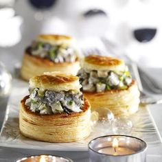 Snail Crisp Recipe Cook the artichoke stocks in salted water as directed. Vol Au Vent, Pop Up Restaurant, Seafood Appetizers, Crisp Recipe, French Food, Spanakopita, Snail, Fine Dining, Entrees