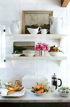 White kitchen open shelving-- not sure about any open shelving, but if we do some, I like these smaller shelves Open Kitchen, Kitchen Dining, Kitchen Decor, Kitchen Styling, Narrow Kitchen, Kitchen White, Kitchen Ideas, Kitchen Artwork, Diy Kitchen