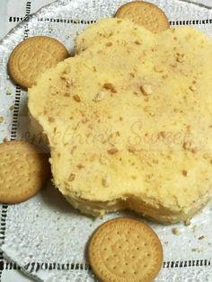 Receita Bolo de Bolacha Tradicional  (receita original SaborIntenso)   Ingredientes:   2 pacotes de bolacha Maria  250g de manteiga  25...