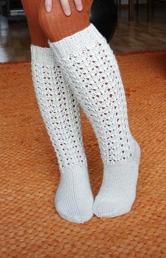 Ravelry: 06. Villaiset pitsisukat pattern by Eeva Korhonen Knit Socks, Knitting Socks, Slipper Socks, Slippers, Patterned Socks, Sock Yarn, Ravelry, Knit Crochet, Patterns