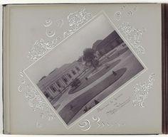 Anonymous | Militaire kazerne in Soerabaja met ervoor het Atjeh-monument, Anonymous, c. 1900 - before 1906 | Onderdeel van Herinneringsalbum met foto's van Soerabaja.