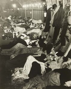 itsjohnsen:  London's Liverpool Street Station acting as an underground shelter during the Blitz, 1940. Bill Brandt