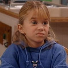 See more about #ashley-olsen-icons Funny Profile Pictures, Funny Reaction Pictures, Funny Pictures, Fb Memes, Funny Memes, Michelle Tanner, Funny Phone Wallpaper, Aesthetic Photography Nature, Olsen Twins