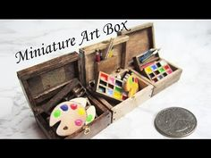 Fun and easy tutorial on a creating a miniature paint tray. This video is part of a paint set tutorial collection so be on the lookout for those! Dollhouse Tutorials, Dollhouse Kits, Modern Dollhouse, Dollhouse Miniatures, Victorian Dollhouse, Popsicle Stick Crafts, Popsicle Sticks, Craft Stick Crafts, Miniature Crafts