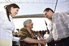 """En gira de trabajo por el municipio de Jiquilpan, el gobernador de Michoacán exhortó a la sociedad a """"hacer un cambio de actitud""""; esto de cara a la visita que ..."""