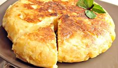 Mediterranean Diet Recipes: Tortilla Española (Potato and Egg Omelet from Spain) Breakfast And Brunch, Breakfast Recipes, Broccoli Soup Recipes, Cream Of Broccoli Soup, Mediterranean Diet Breakfast, Mediterranean Diet Recipes, Spanish Tortilla Recipe, Portuguese Recipes, Everyday Food